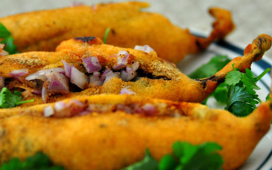 mirchi bajji - 15 Popular Indian Appetizers and Snacks