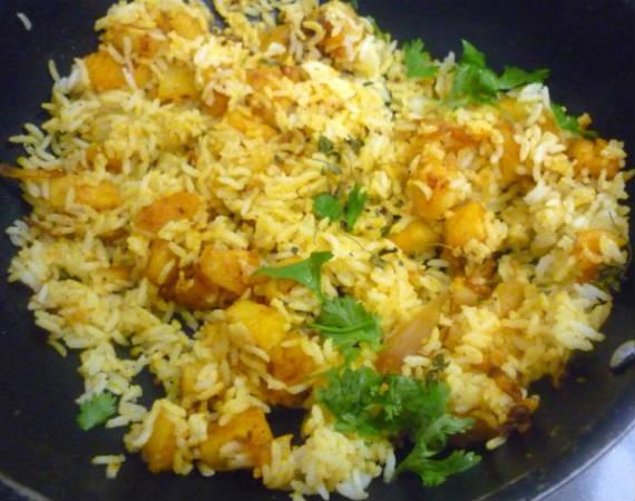 potato rice - உருளைக்கிழங்கு சாதம்
