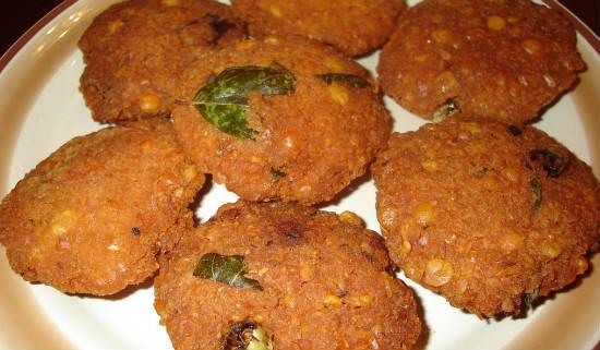 three dal vada - Mupparupu Vadai (Three Dal Vada)