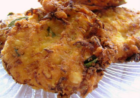 Cabbage and Carrot Vadai