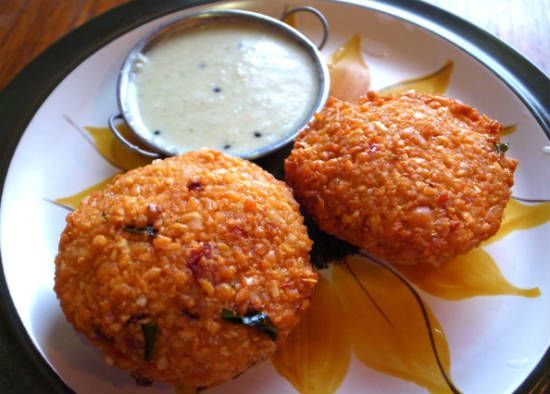 Masala Vadai with Coconut Chutney