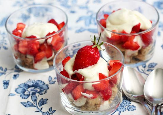 strawberry champagne trifle - Champagne Trifle