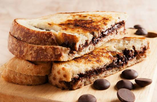grilled chocolate sandwich - Grilled Chocolate Sandwich