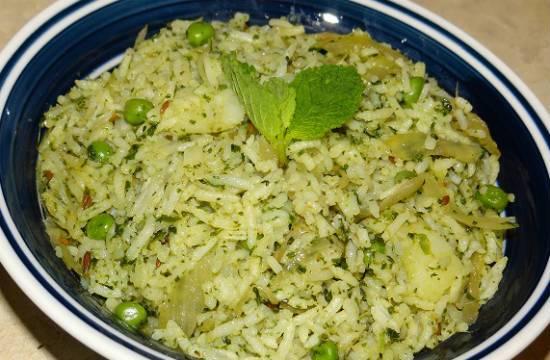 Mint Potato Rice (Aloo Pudina Rice)