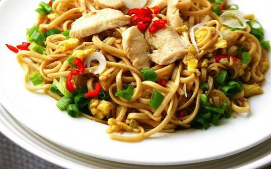stir fry chicken noodles - Chicken Noodles with Hoisin Sauce
