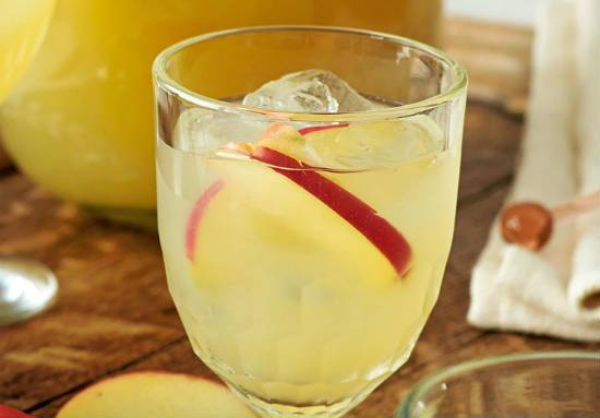 apple ginger cocktail - Apple and Ginger Cocktail