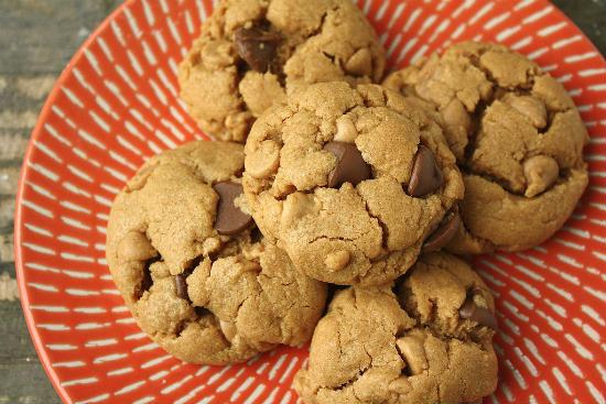peanut butter chocolate chip cookies - Peanut Butter Chocolate Chip Cookies