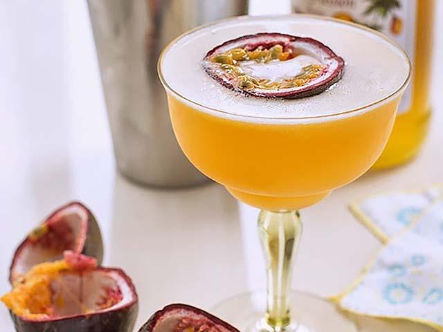 passionfruit martini 1 - Passionfruit Martini