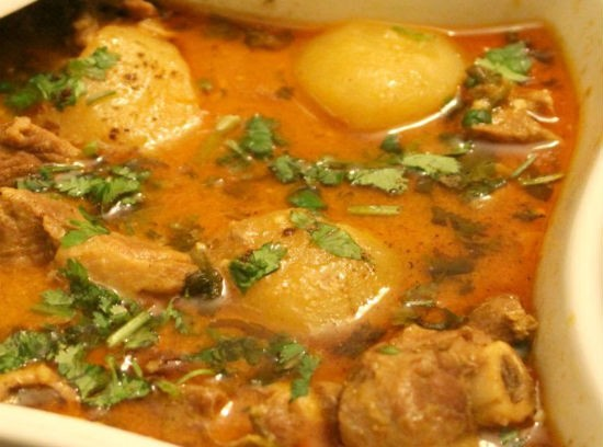 Aloo Gosht (Mutton with Potatoes)