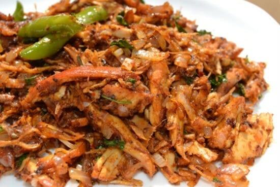 Salem Pichu Potta Kozhi Varuval (Shredded Chicken Fry)