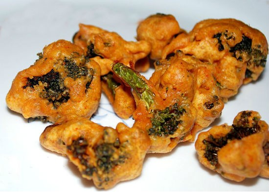 Broccoli Bonda (Broccoli Pakora)