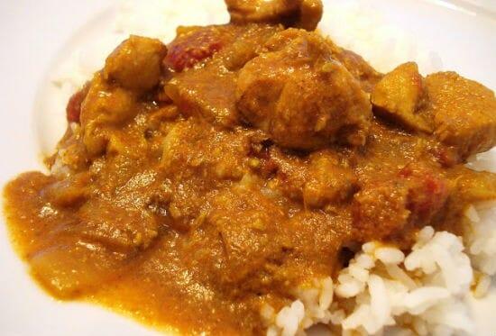 Chettinad Kozhi Kuzhambu (Chettinad Chicken Sambar)