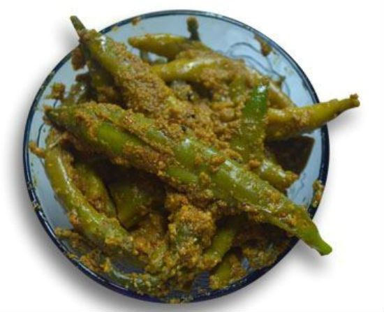 Rai Mirchi (Green Chilli Pickle with Mustard Seeds)