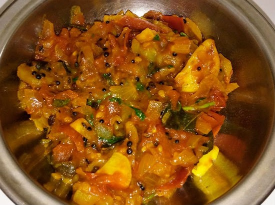 Peerkangai Thokku (Ridge Gourd Curry)