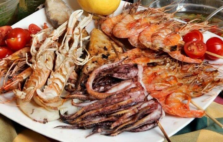 2.La Vigilia – The feast of seven fishes