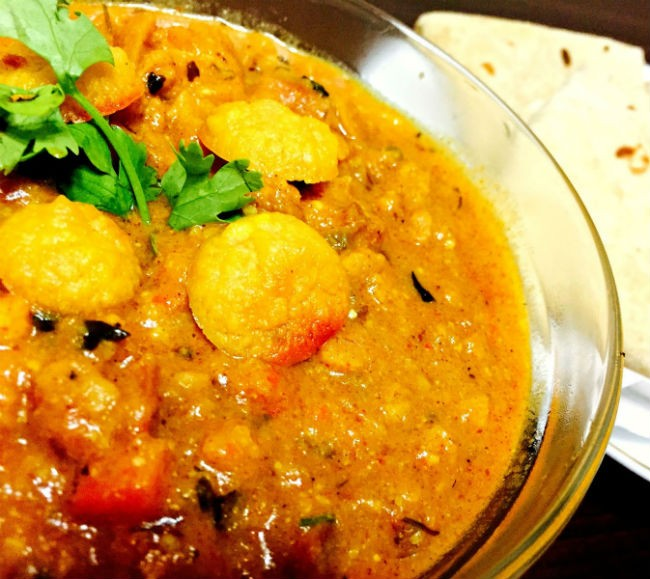 Mangodi and Tomato Curry