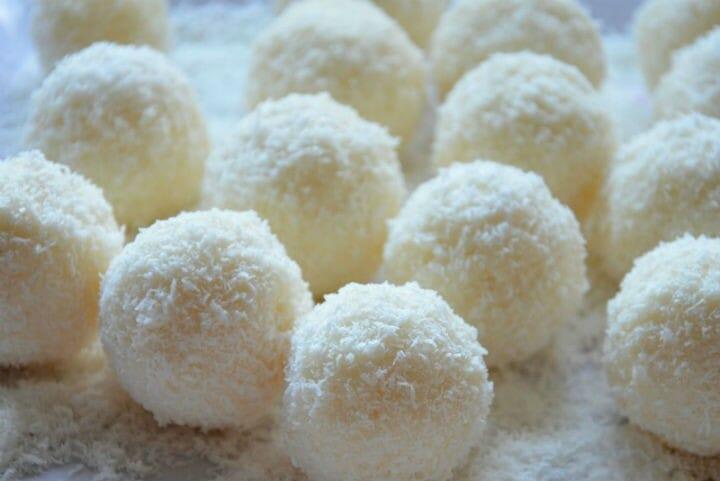 coconut laddus - Coconut Laddu