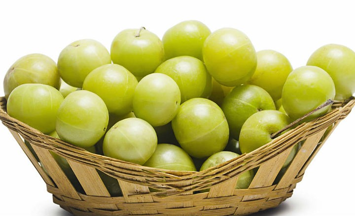 amla indian gooseberry - 9 Health Benefits Of Amla