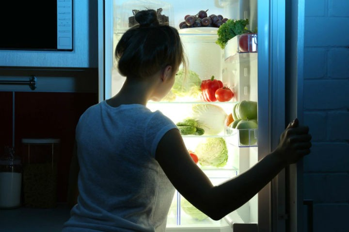 Eating at night increases your weight