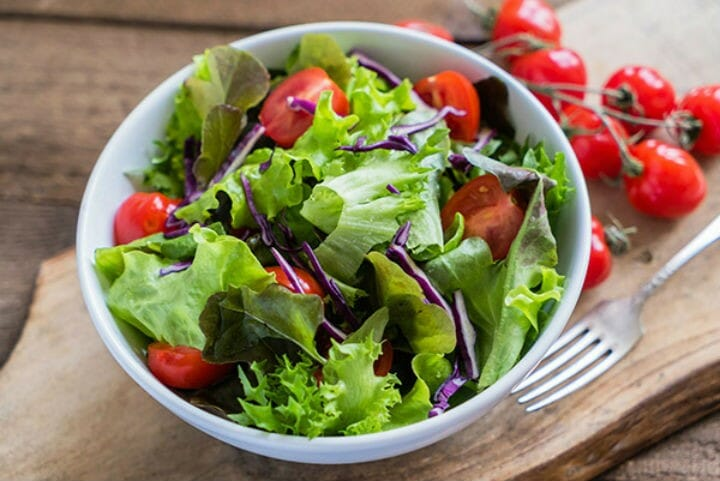salads - 9 Food Myths That are False