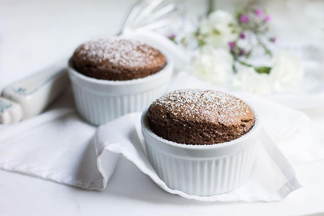 chocolate souffle 02 - 7 Delicious Things To Bake This Christmas