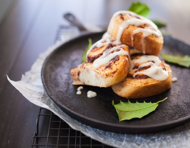 cinnamon buns - 7 Delicious Things To Bake This Christmas