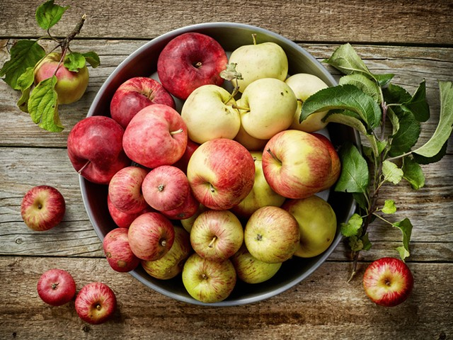 Apples - 7 Foods That Could Prevent Cancer