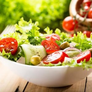 10 Tips to Make Healthy Salads at Home