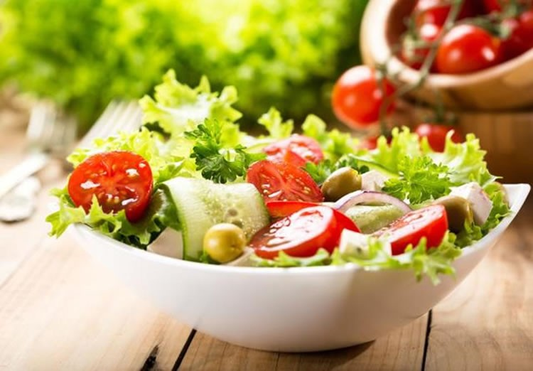 salad tips - 10 Tips to Make Healthy Salads at Home