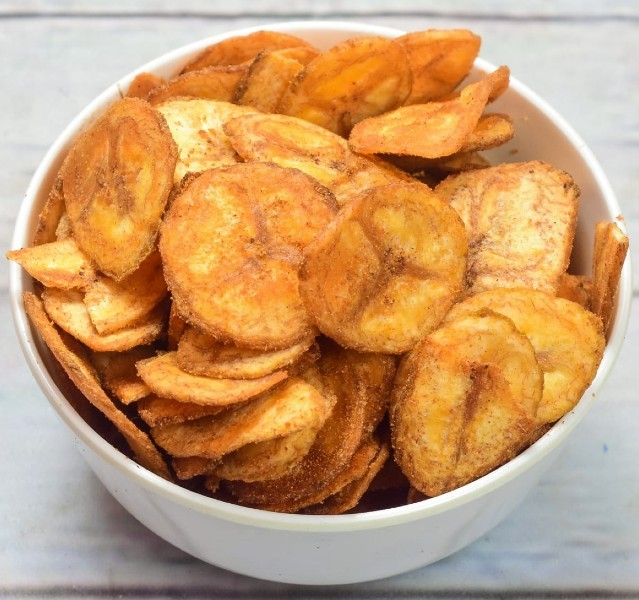 vazhakkai chips - வாழைக்காய் சிப்ஸ்