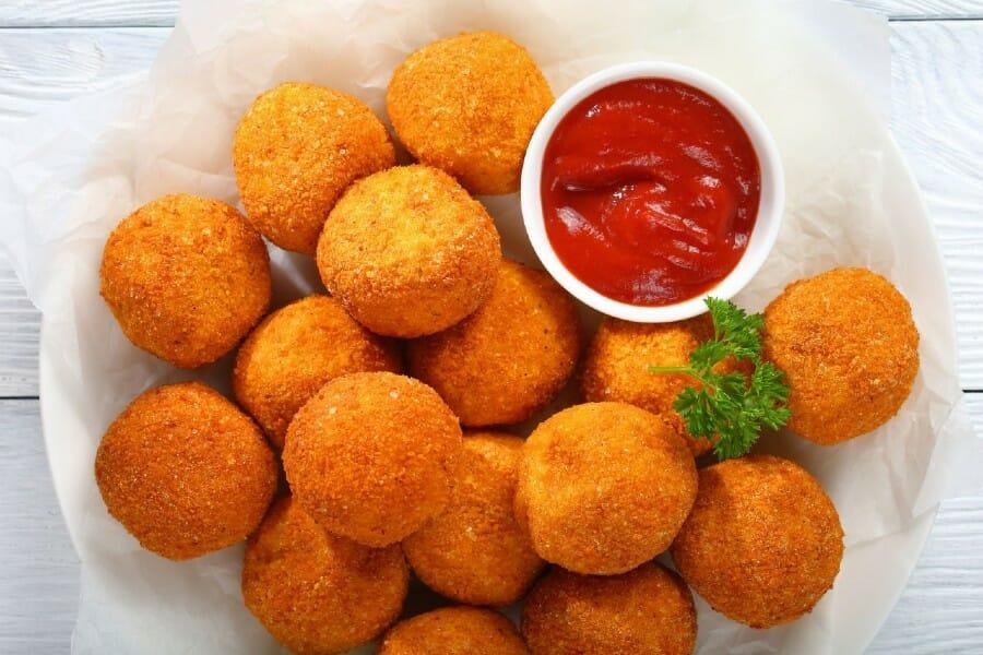 mashed potato balls - பிசைந்த உருளைக்கிழங்கு பந்துகள்