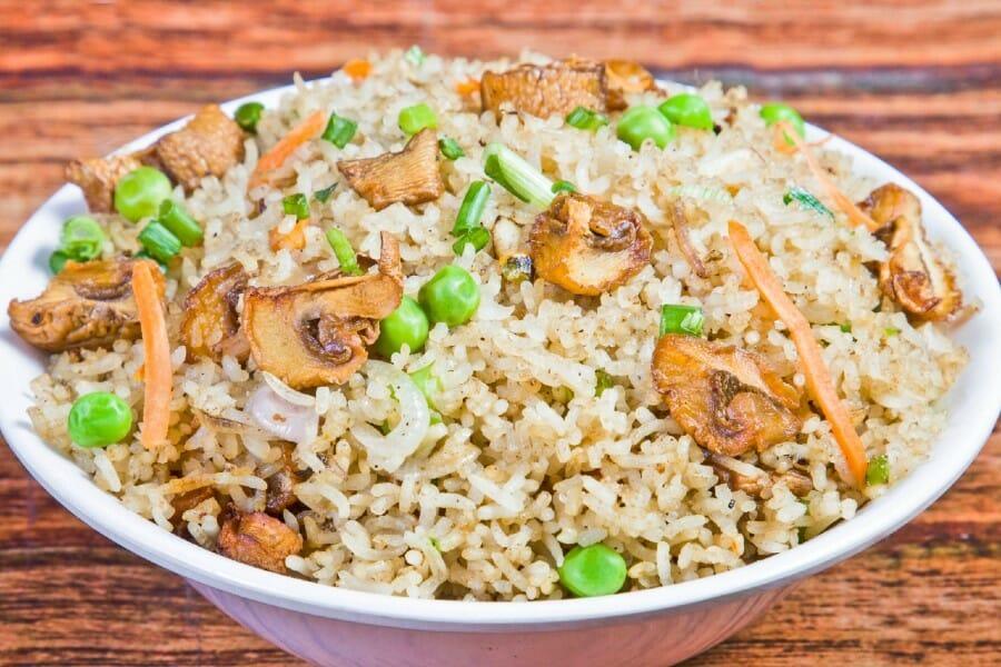 mushroom fried rice - மஷ்ரூம் ஃப்ரைட் ரைஸ்