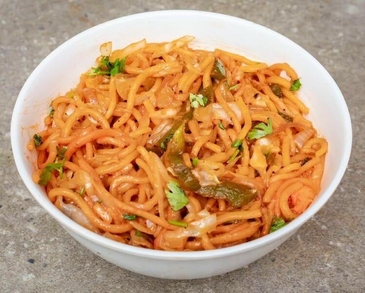 veg schezwan noodles - வெஜிடபிள் செஷ்வான் நூடுல்ஸ்